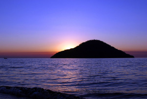 Lake_Malawi - Cape_Maclear_-_Thumbi_Island_Sunset